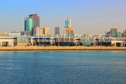 BAHRAIN, Manama, The Avenues shopping and leisure centre, view from Bahrain Bay, BHR1927JPL