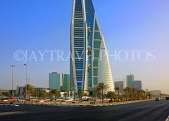 BAHRAIN, Manama, World Trade Centre towers, and Kind Faisal Highway, BHR274JPL