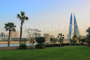 BAHRAIN, Manama, World Trade Centre towers, view from Bahrain Bay, BHR1909JPL