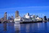CANADA, British Columbia, VANCOUVER, city skyline and cruise ship at Canada Place, CAN660JPL