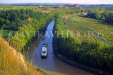 FRANCE, Languedoc-Roussillon, CANAL DU MIDI and barge, vineyards, FRA976JPL