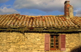 FRANCE, Languedoc-Roussillon, MINERVE, stone cottage and tile roof, FRA933JPL