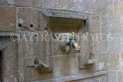 FRANCE, Normandy, MONT SAINT-MICHEL, drinking fountain, FRA2801JPL