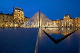 France, PARIS, Louvre Museum and Pyramid entrance, night view, FRA2102JPL