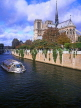 France, PARIS, Notre Dame Cathedral and River Seine with sightseeing boat, FRA1670JPL