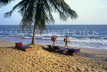 GAMBIA, Banjul, beach with tourists and sunbeds, GAM1032JPL