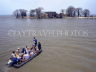 GAMBIA, River Gambia, Fort James Island, tourists visitig by boat, GAM876JPL