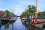 HOLLAND, Edam, old town, canalside and moored boats, HOL817JPL