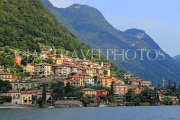 ITALY, Lombardy, LAKE COMO, lakeside scenery, and hillside houses, ITL2300JPL