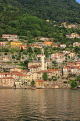 ITALY, Lombardy, LAKE COMO, lakeside scenery, and hillside houses, ITL2306JPL