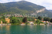 ITALY, Lombardy, LAKE COMO, lakeside scenery, and hillside houses, ITL2308JPL