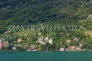 ITALY, Lombardy, LAKE COMO, lakeside scenery, and hillside houses, ITL2312JPL