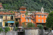 ITALY, Lombardy, LAKE COMO, lakeside scenery, colourful villa, ITL2325JPL