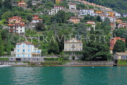 ITALY, Lombardy, LAKE COMO, lakeside scenery, villas and hillside houses, ITL2322JPL