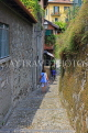 ITALY, Lombardy, Lake Como, BELLAGIO, narrow street, ITL1933JPL