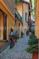 ITALY, Lombardy, Lake Como, BELLAGIO, narrow street, ITL2187JPL