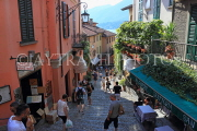 ITALY, Lombardy, Lake Como, BELLAGIO, narrow street, ITL2192JPL