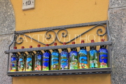 ITALY, Lombardy, Lake Como, BELLAGIO, souvenir hand painted bottles, ITL2197JPL