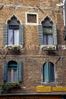 Italy, VENICE, Venetian architecture, house windows, ITL1821JPL