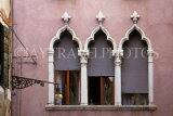 Italy, VENICE, Venetian architecture, house windows, ITL1853JPL