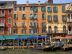 Italy, VENICE, Venetian architecture along Grand Canal, and restaurants, ITL1696JPL