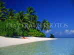 MALDIVE ISLANDS, beach with coconut trees and sunbather, MAL578JPL