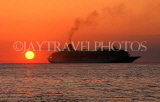 MEXICO, Yucatan, COZUMEL, sunset and cruiser on horizon, MEX540JPL
