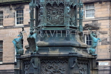 SCOTLAND, Edinburgh, Duke of Buccleuch memorial, Deer sculptures, High St, SCO1016JPL