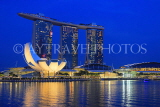 SINGAPORE, Marina Bay, Marina Bay Sands Hotel and ArtScience Museum, night view, SIN1140JPL