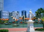 SINGAPORE, North Boat Quay, Raffles statue, by Singapore River, SIN604JPL