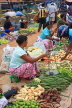 SRI LANKA, Negombo, market, fruit and vegetable market, vendor with scales, SLK2699JPL