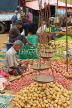 SRI LANKA, Negombo, market, fruit and vegetable market, vendor with scales, SLK2707JPL