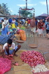 SRI LANKA, Negombo, market, fruit and vegetable market, vendor with scales, SLK6199JPL