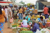 SRI LANKA, Negombo, market, fruit and vegetable market, vendors and shopper, SLK2687JPL