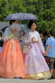 South Korea, SEOUL, Gyeongbokgung Palace, visitors in traditional Hanbok attire, SK462JPL