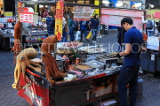 South Korea, SEOUL, Myeongdong, street food, food stalls, seafood and octopus, SK1327JPL