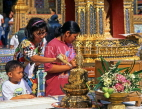 THAILAND, Bangkok, GRAND PALACE, worshippers bathing Buddha image, Songkran (New Year), THA727JPL
