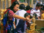 THAILAND, Bangkok, GRAND PALACE, worshippers bathing Buddha image, Songkran (New Year), THA728JPL
