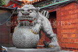 Taiwan, TAIPEI, Cisheng Temple, stone carved lion, TAW1373JPL