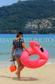 Thailand, PHUKET, Patong Beach, holidaymaker with beach float, THA4199JPL