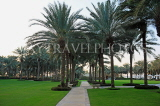 UAE, DUBAI, One & Only Royal Mirage Hotel, gardens with palm trees, UAE553JPL