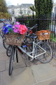 UK, Cambridgeshire, CAMBRIDGE, bicycle with basket and floral decorations, UK35000JPL