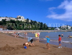 UK, Devon, TORQUAY, Abbey Sands, beach and holidaymakers, DEV312JPL