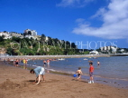 UK, Devon, TORQUAY, Abbey Sands, beach and holidaymakers, DEV313JPL