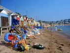UK, Devon, TORQUAY, Corbyn Sands, holidaymakers and beach huts, DEV310JPL