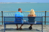 UK, Essex, Southend-On-Sea, Southend Pier, couple on bench, UK6868JPL