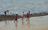 UK, Essex, Southend-On-Sea, children paddling, UK6801JPL