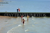 UK, Essex, Southend-On-Sea, people paddling, UK6796JPL