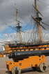 UK, Hampshire, PORTSMOUTH, Historic Dockyard, HMS Victory and canon, UK6568JPL