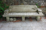 UK, Hampshire, WINCHESTER, Cathedral Close, Dean Garnier Garden, old stone bench, UK7987JPL